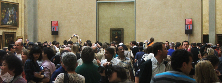 The Salle des États featuring the Mona Lisa